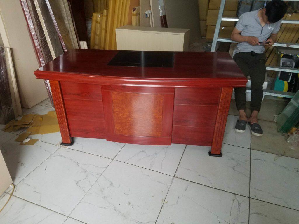 bàn giám đốc H35 giá rẻ 1m6